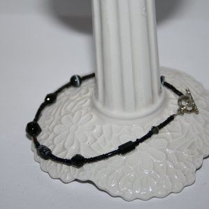 Black glass and jasper bracelet 8""